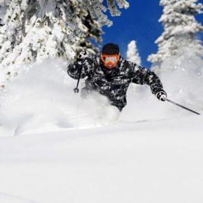 3-2268-Big-White-Skiing-400x400